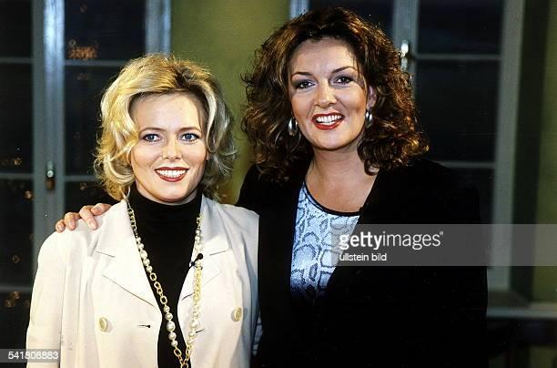 Moderatorin Nachrichtensprecherin D mit Bettina Tietjen