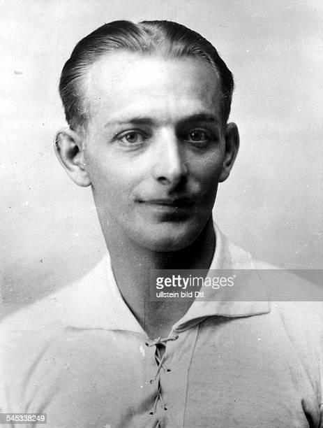 *Sportler Fussball Österreich Portrait undtierte Aufnahme Ende der 1920er Jahre / Anfang 1930er Jahre