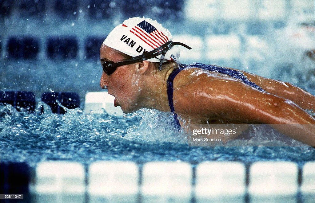 SCHWIMMEN: ATLANTA 1996 100m Delphin FRAUEN 23.7.96 : News Photo