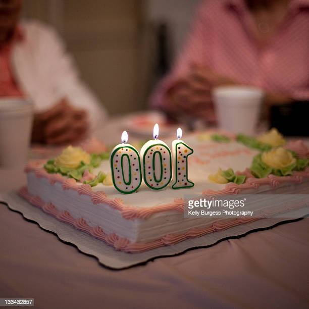 100th birthday cake - ビンガムトン ストックフォトと画像