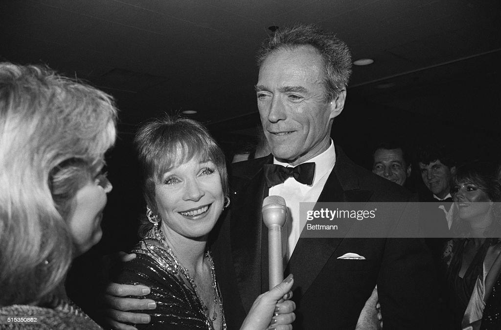 Clint Eastwood Hugs Shirley Maclaine : News Photo
