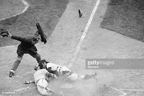 Detroit MI Oakland Athletics' Reggie Jackson grimaces after stealing home during the second inning of the game against Detroit Tigers' catcher Bill...
