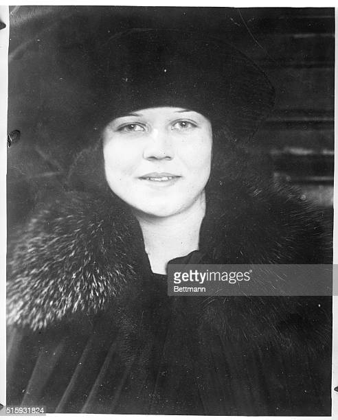 Cleveland OH Portrait of Mrs Mabel Champion a defendant facing charges of first degree murder whose style of dress has prompted scholors and...