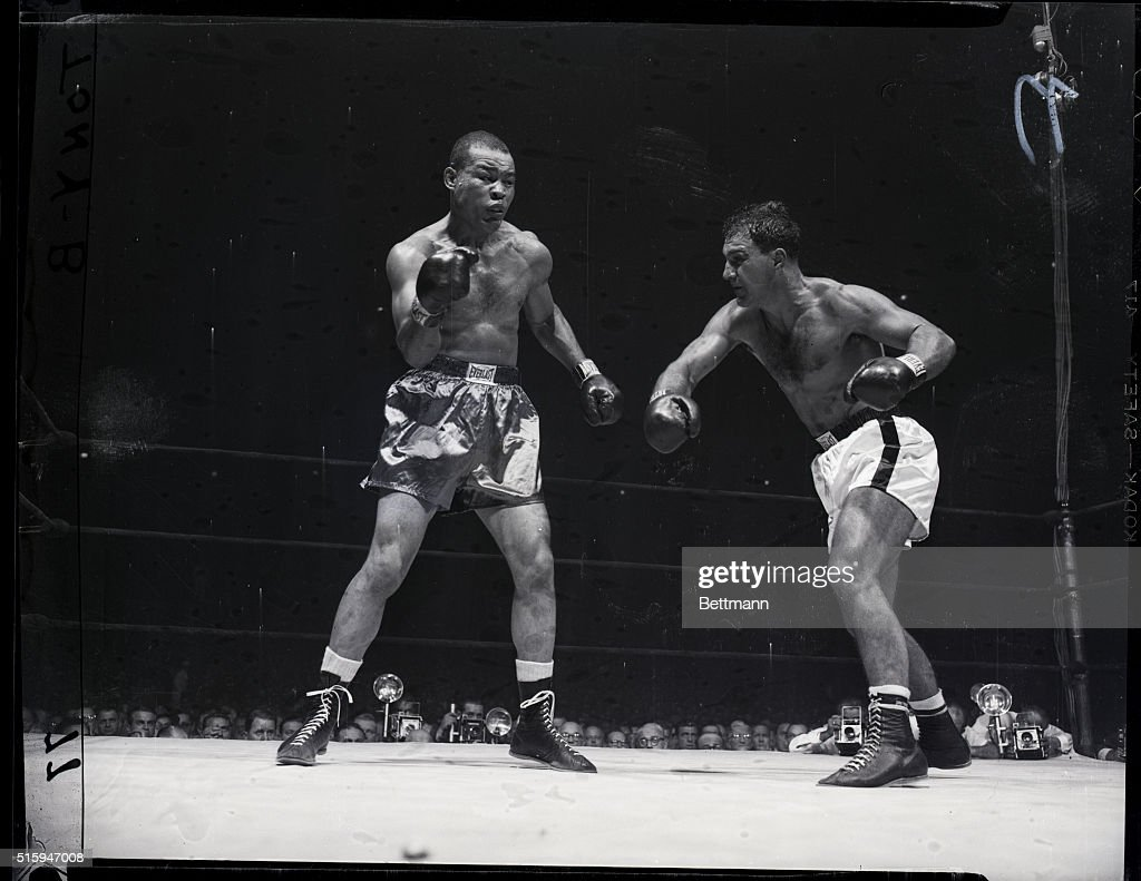 bdaa9af0b0c Rocky Marciano VS. Joe Louis in Madison Square Garden. News Photo ...