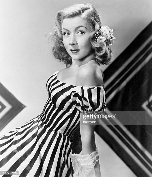 Hollywood CA A movie director who drew the ticklish job of telling his actresswife Gloria Grahame how to act in her next picture made her sign a...