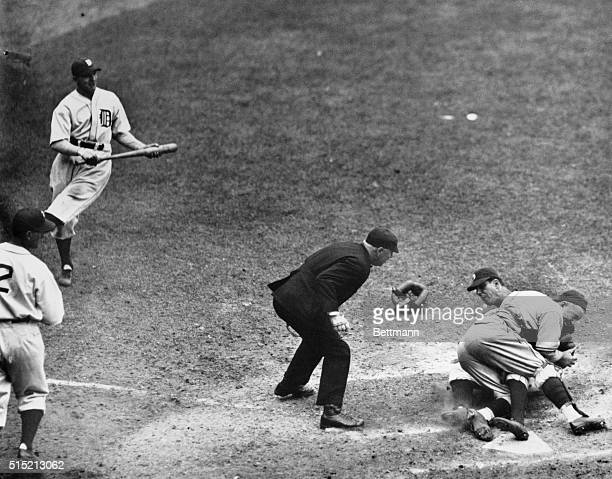 After Charley Gehringer had scored in the 7th inning on Fox's smashing drive thru the box Hank Greenberg who had advanced from first on the blow...