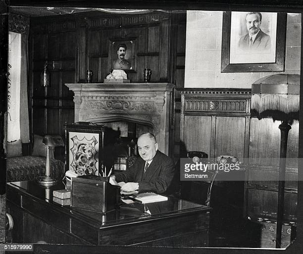 10/3/1942London EnglandM Miasky Soviet ambassador to britain reads congrats on his award Order of Lenin in London
