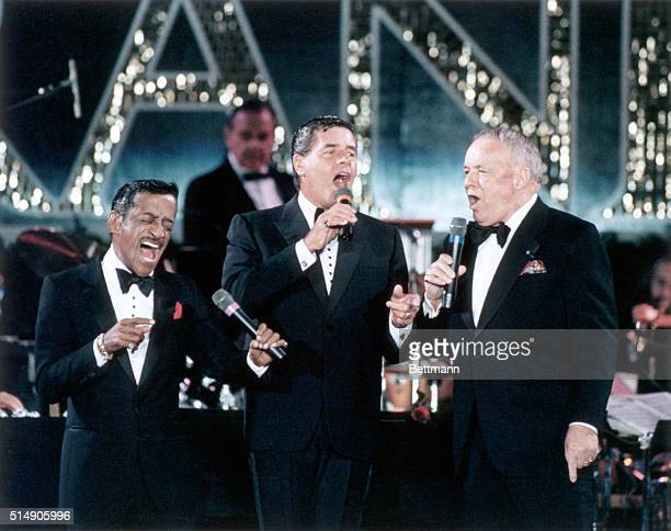 10/8/1987Atlantic City NJ Sammy Davis Jr Jerry Lewis and Frank Sinatra get together for a performance as they help kickoff the opening ceremonies for...