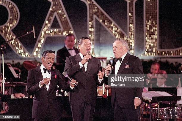 10/8/1987Atlantic City NJ Sammy Davis Jr Jerry Lewis and Frank Sinatra get together for a performance as they help kickoff opening ceremonies for the...