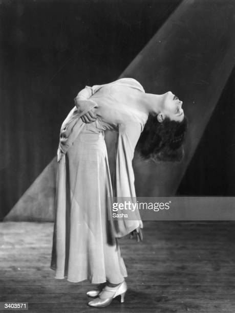 Vienna born dancer and actress Tilly Losch performing in 'Wake Up And Dream' at the London Pavilion