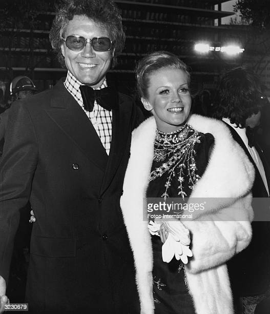 Swedishborn actor AnnMargret and her husband American actor Roger Smith smile at the 44th Annual Academy Awards Dorothy Chandler Pavilion LA County...