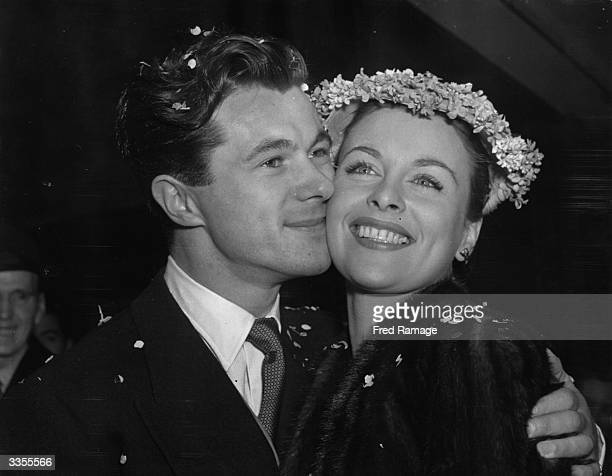 The Irish actress Constance Smith marries British film actor and director Bryan Forbes at Caxton Hall London