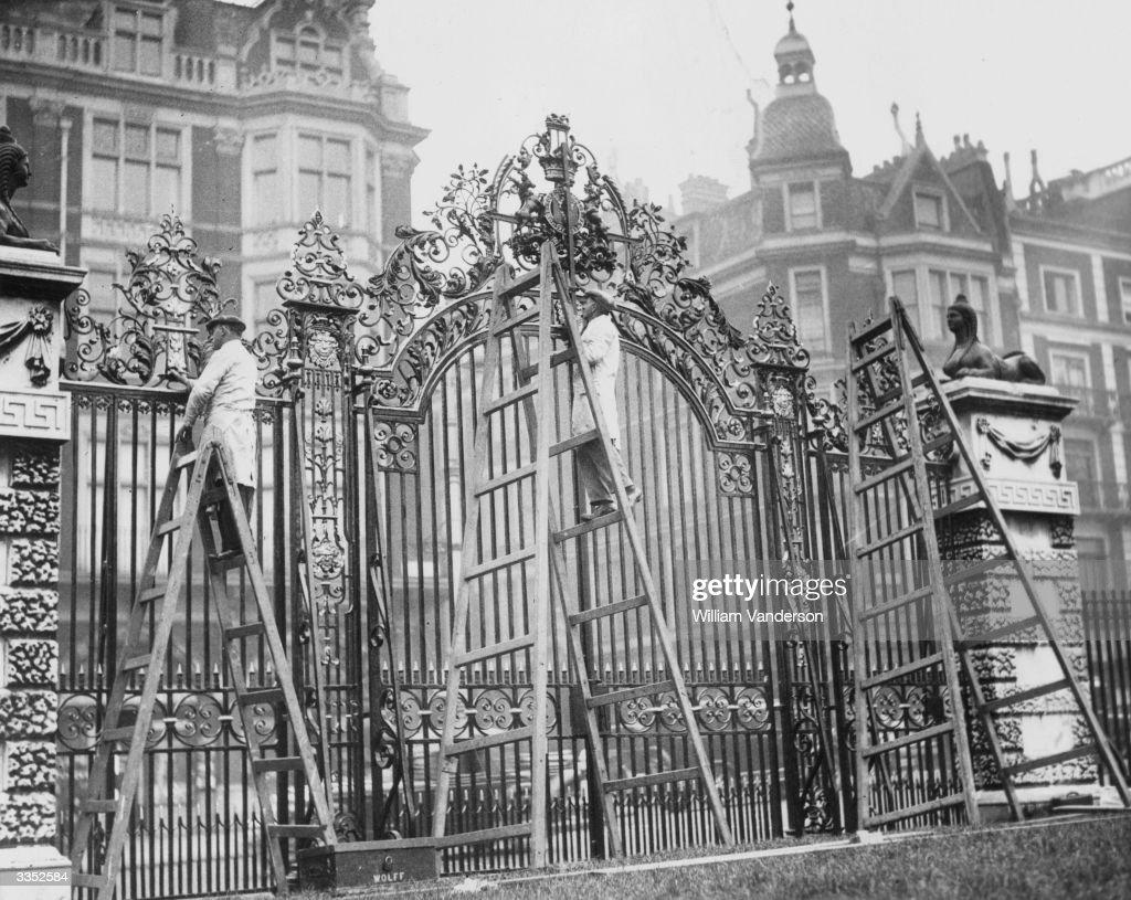 Green Gates : News Photo