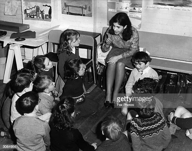 Jill Taylor takes a class at the Gatehouse, an experimental school in Islington, London where handicapped and 'normal' children work and play...