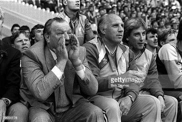10th May 1986, Wembley Stadium, London, FA Cup Final, Liverpool 3 v Everton 1, Former Liverpool Manager Bob Paisley shouts instructions to his...