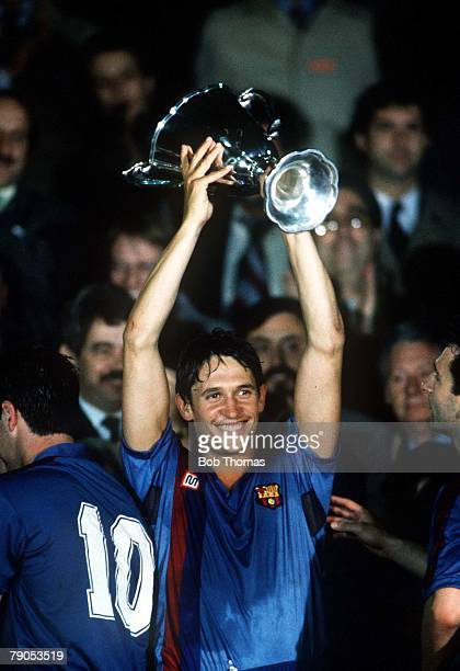 10th MAY 1989 European Cup Winners Cup Final Berne Switzerland Barcelona 2 v Sampdoria 0Barcelona's Gary Lineker holds the trophy aloft after the...