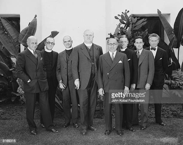 Hollywood producer Louis B Mayer with Cecil B DeMille and Fred Niblo All three men are founders are AMPAS and are accompanied by a number of clerics...
