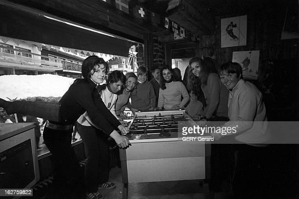 10Th Winter Olympic Games Of Grenoble 1968 10ème Jeux Olympiques d'hiver de Grenoble en 1968 Après la compétition autour d'un babyfoot Annyy DUPEREY...