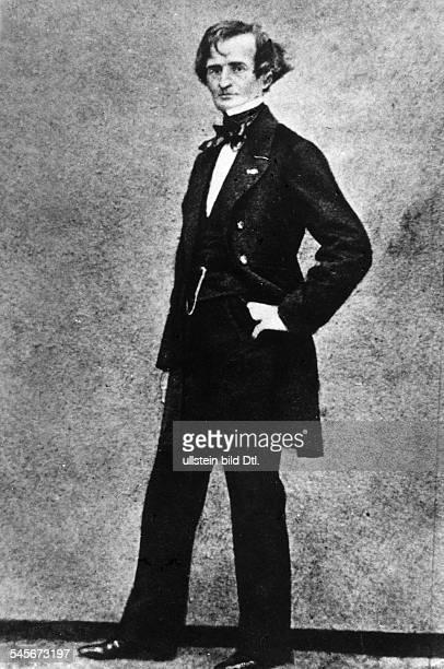 *1112180308031869Musiker Komponist FrankreichPorträt Ganzkörperaufnahme vermutl um 1860