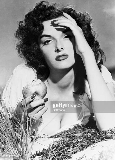 Hollywood CA One of the alltime pinup favorites this photo of Jane Russell will be part of the pinup exhibit at the Hollywood USO canteen for...