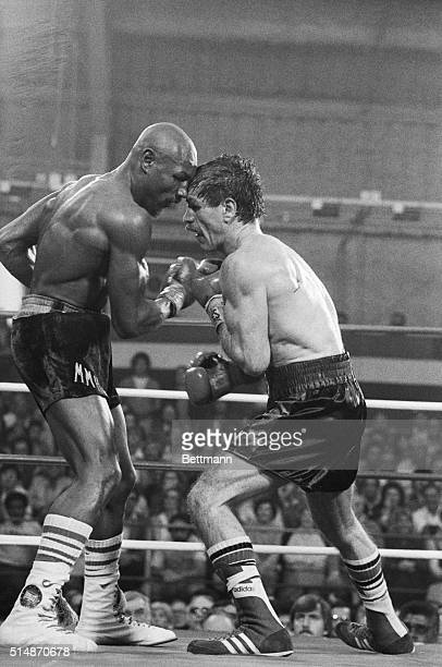 Las Vegas, NV: Marvin Hagler and Vito Antuofermo exchange punches during the 15th round of the middleweight title bout at Caesar's Palace. The bout...