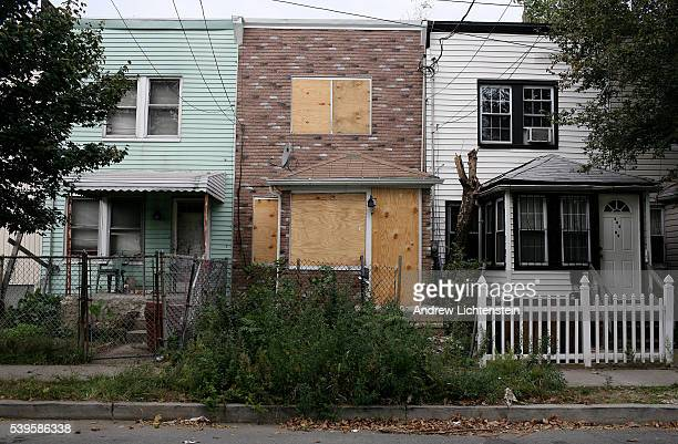 118th Avenue in the working class neighborhood of Jamaica Queens has the highest foreclosure rate of homes in New York City In a few short blocks 28...