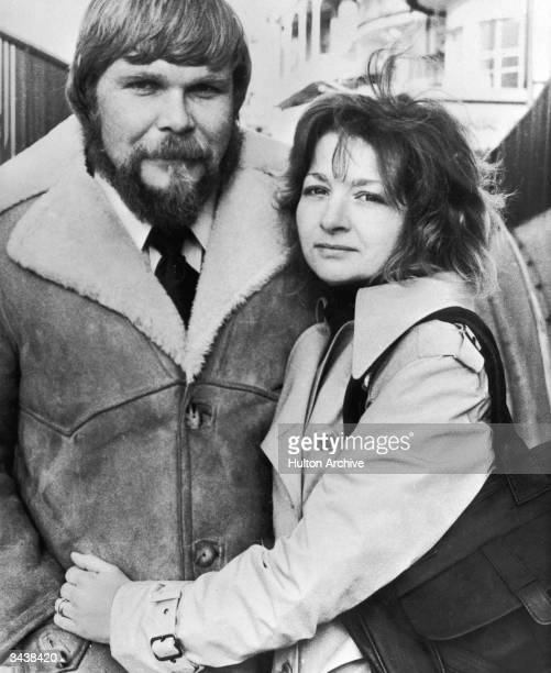 George and Kathy Lutz former owners of the haunted house on 112 Ocean Avenue in Amityville New York pose during a press tour for the book 'The...