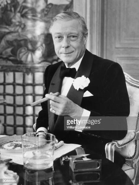 Duke of Windsor enjoys a cigar