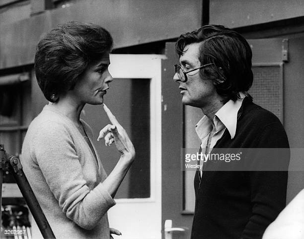 The film producer Robert Evans with the actress Ali MacGraw at Wimbledon for the shooting of the film titled 'The Players'