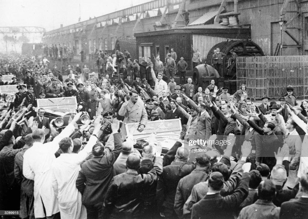 Nazi Salute : News Photo