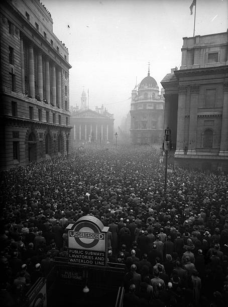 Huge crowds at the Royal Exchange in London on Armistice Day