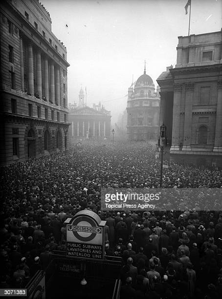 Huge crowds at the Royal Exchange in London on Armistice Day.