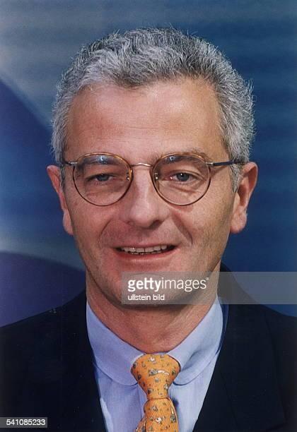 Journalist, Jurist; D- Programmgeschäftsführer des Ereignis-und Dokumentationskanals von ARD und ZDFPHOENIXPorträt