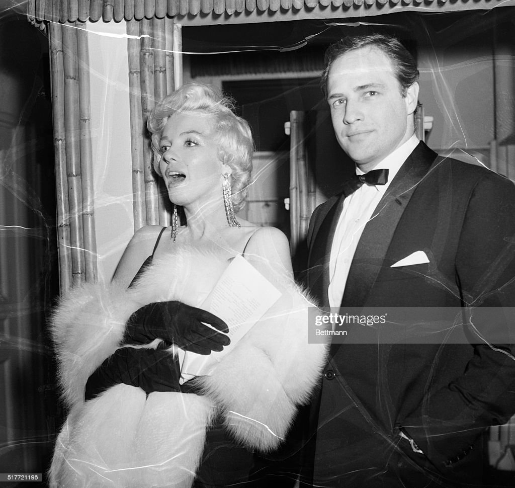 Marlon Brando And Marilyn Monroe : News Photo
