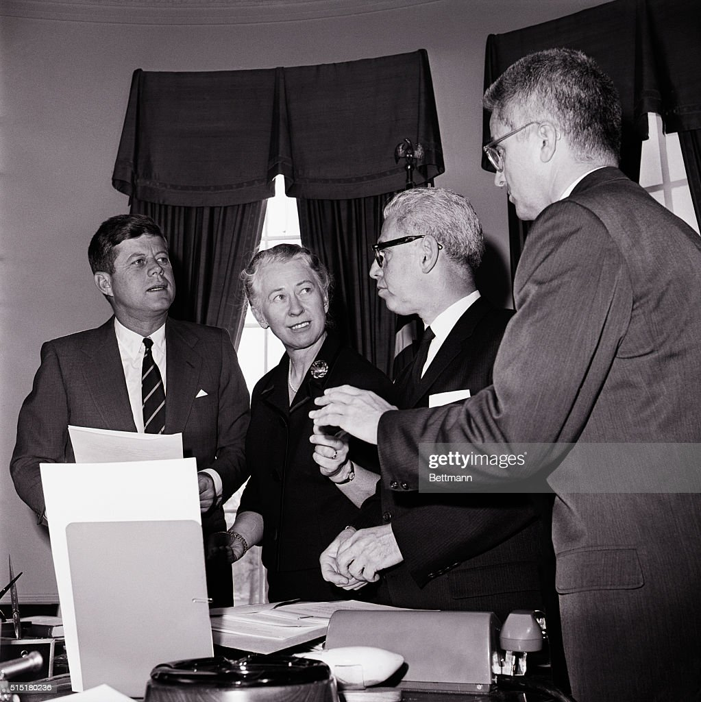 Pres. Kennedy And Members Of Commission : News Photo
