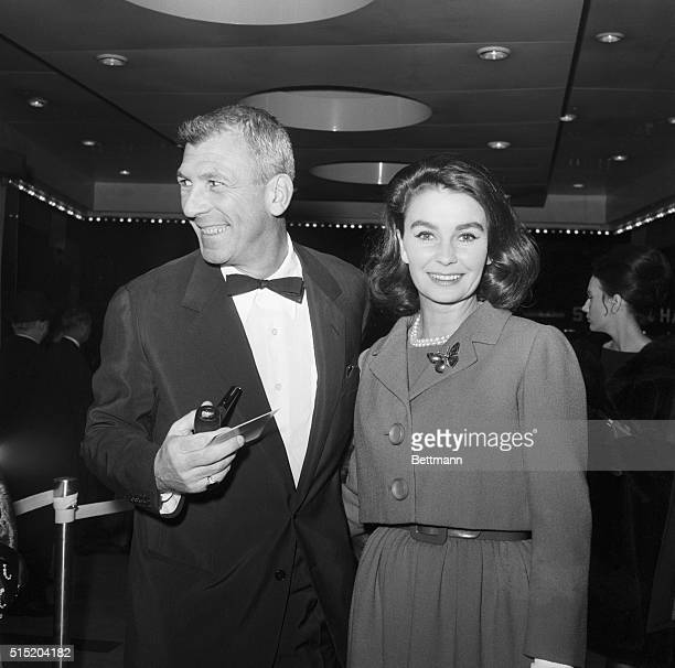 New York NYActress Jean Simmons is shown with her husband Richard Brooks as they attended the premiere of Lawrence of Arabia
