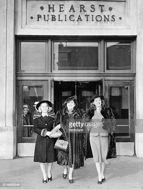 New York NY Columnist Louella Parsons is shown with June Pressier and Arleen Whelan two of the movie starlets with she is touring as they left the...