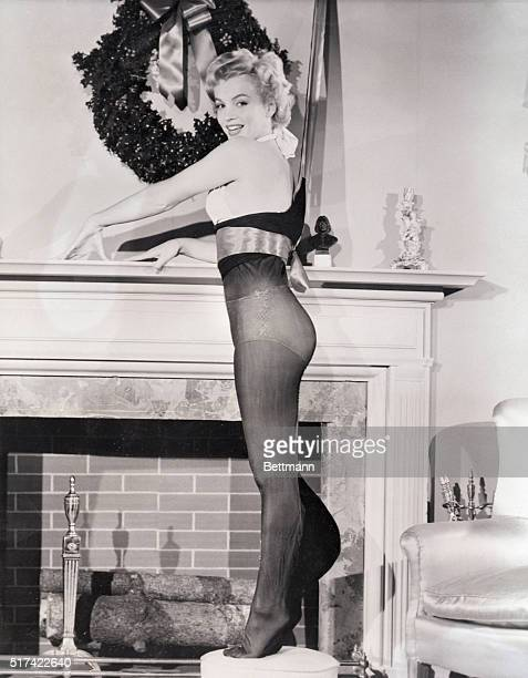 Hollywood CA Hollywood's lucious Marilyn Monroe shows what a really well fitted Christmas stocking should look like The shapely actress was recently...