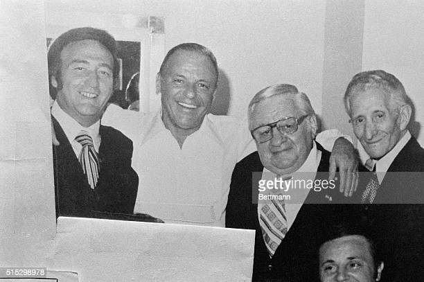 New York Frank Sinatra is shown in his dressing room at Westchester Premier Theater in Sept 1976 with Gregory DePalma a defendant in the case Sinatra...
