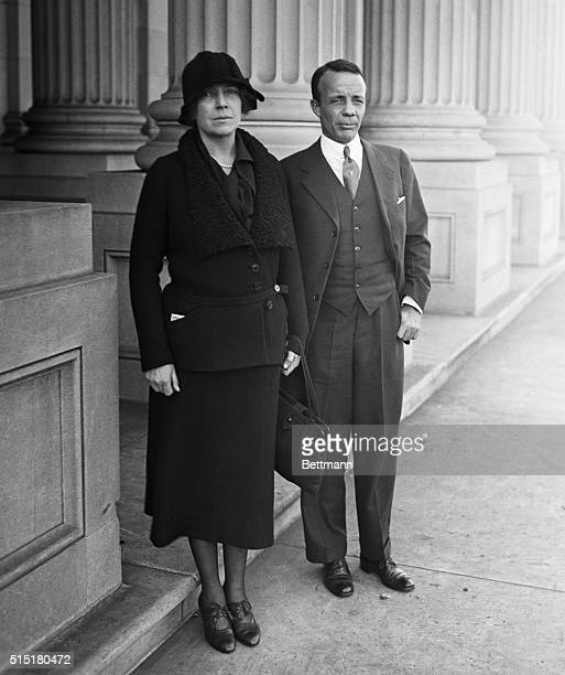 1/25/1932Washington DC Mrs Alice Longworth wife of the late Speaker of the House bids farewell to her brother Theodore Roosevelt Jr before he leaves...