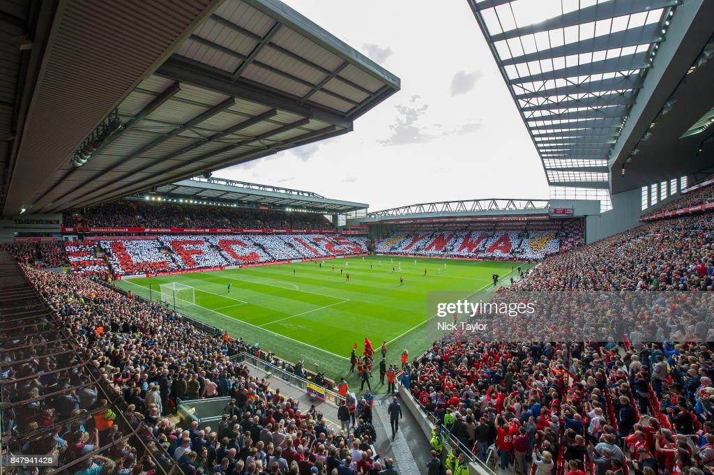 Liverpool v Burnley - Premier League : ニュース写真