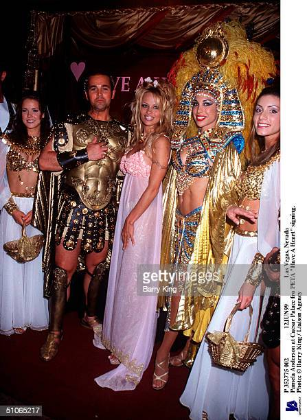 P 352775 002 12Jun99 Las Vegas Nevada Pamela Anderson At Caesar Palace Fro Peta Have A Heart Signing