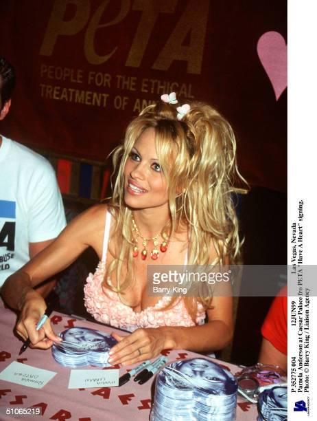 P 352775 004 12Jun99 Las Vegas Nevada Pamela Anderson At Caesar Palace Fro Peta Have A Heart Signing