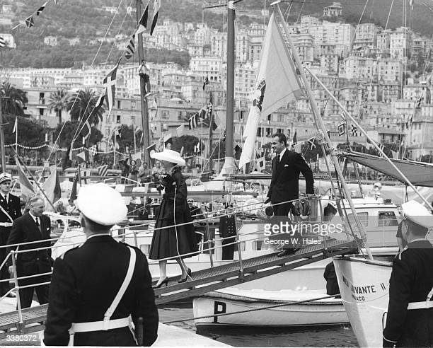 American actress Grace Kelly who is to marry Prince Rainier arriving in Monaco a week before the wedding