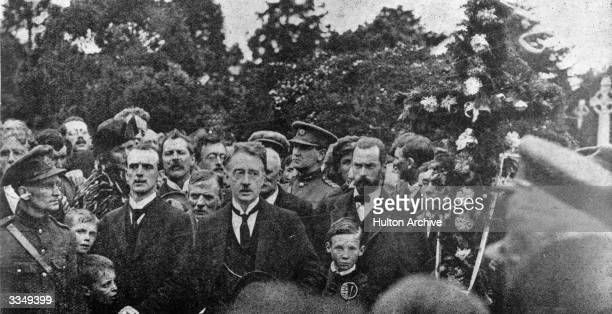 Irish politician and Sinn Fein leader Michael Collins with William Thomas Cosgrave at funeral of the Irish Free Stater and founder of Sinn Fein,...