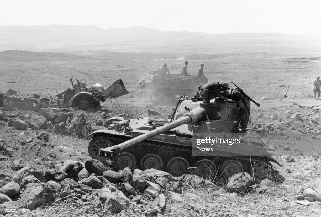 Captured Tanks : News Photo