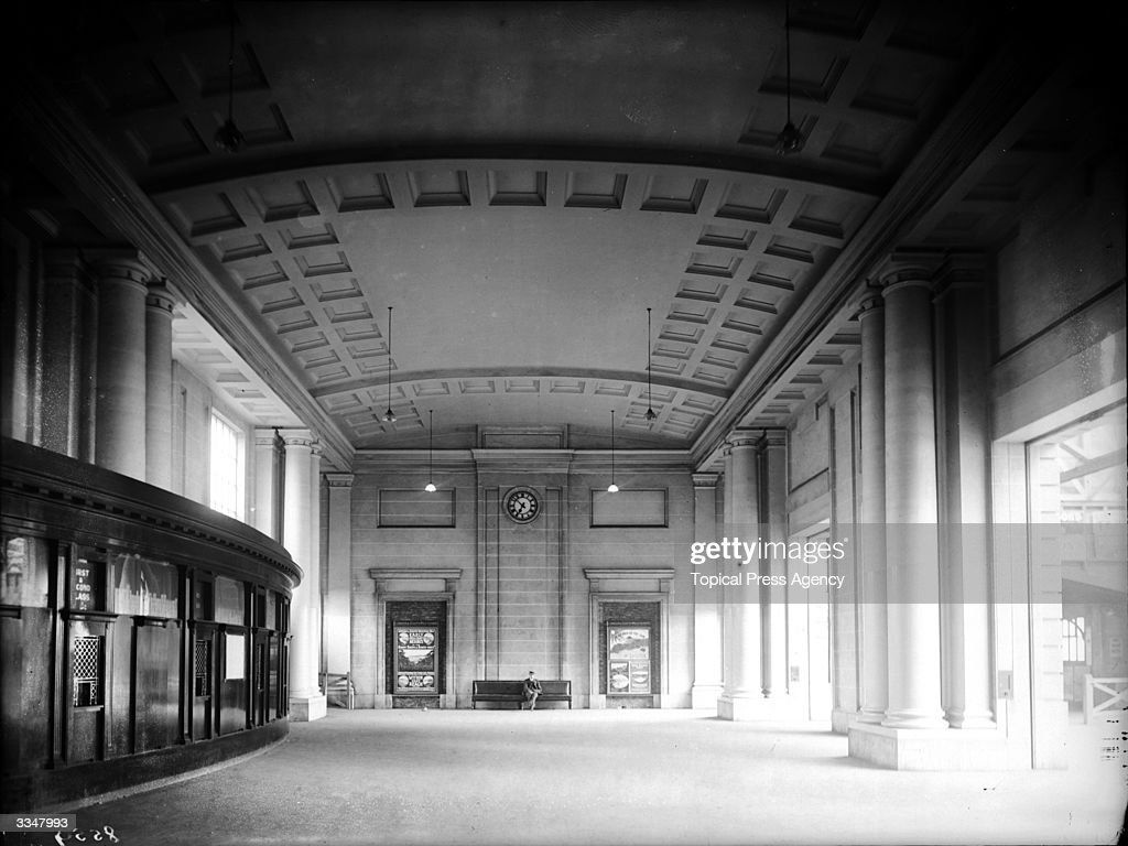Waterloo Booking Hall : News Photo