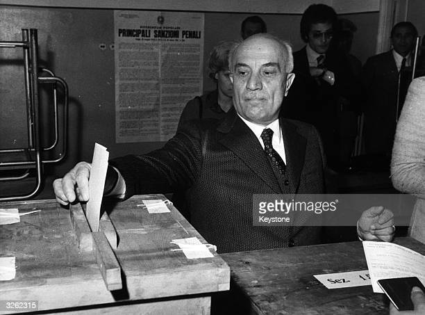 Christian Democrat leader Amintore Fanfani casts his vote in the divorce referendum in Rome