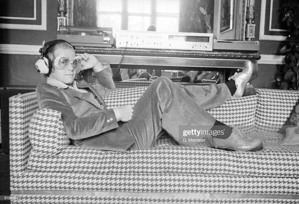 Elton John : News Photo