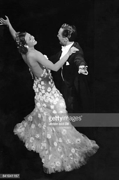 Schauspielerin Amit Paul Roschberg in dem Tobis Film'Es leuchten die Sterne`R Hans H ZerlettD 1938